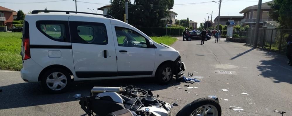 Schianto ad Arcene sulla ex statale 42 Motociclista di 65 anni in gravi condizioni