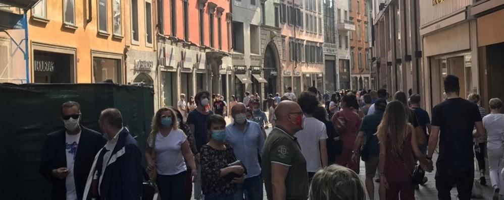 Bergamo: pienone in centro e alla Trucca Corsarola, primo test per il senso unico