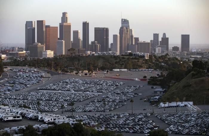 Un parcheggio di macchine a noleggio a Los Angeles, negli Stati Uniti