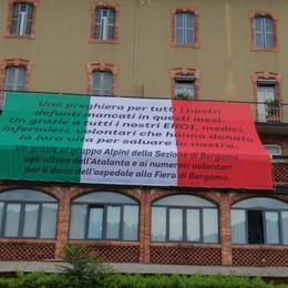 A Leffe un grande tricolore della memoria Per le vittime e gli eroi della pandemia