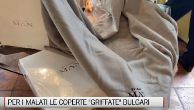 Clusone, distribuite le 700 coperte griffate Bulgari