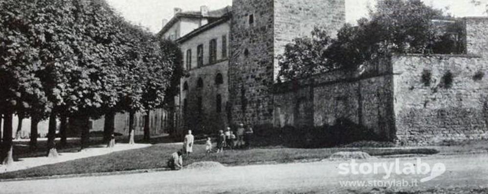 Colle aperto, a spasso nel tempo sotto l'antica «Torre della fame»