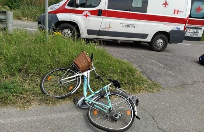 La bicicletta della 42enne investita a Romano di Lombardia