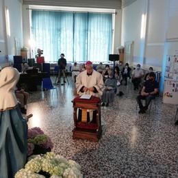 «Preghiamo per il mondo della scuola» A Zogno il Rosario del vescovo Beschi