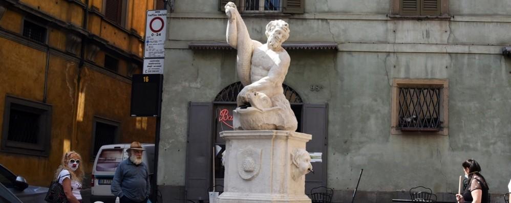 Riecco la Fontana del Delfino Restaurata grazie ai tanti click