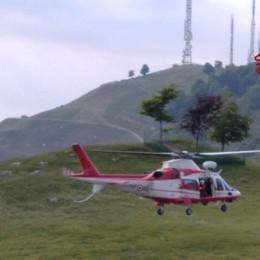Vigili del fuoco in azione sopra la Roncola Ferita una 25enne durante un'escursione
