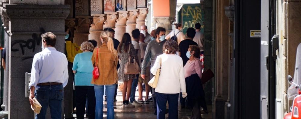 Bergamo, troppa gente in città  «Non uscite per il gelato»