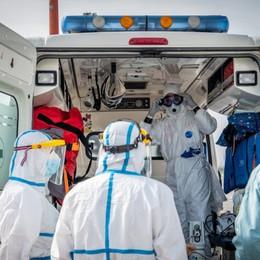 Covid-19: morti 163 medici e 40 infermieri Operatori sanitari la categoria più colpita