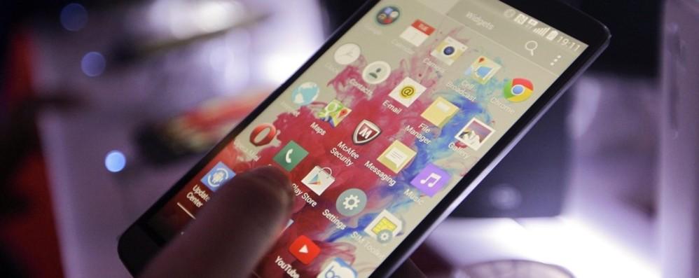 Il caso: Bianzano stoppa il 5G «Prima serve chiarire i rischi»