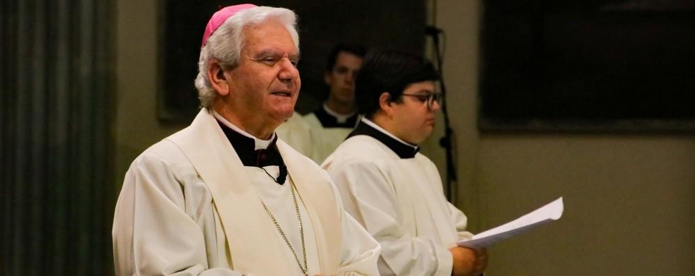 «Il sacerdote, pescatore e pastore» Il Rosario con il vescovo Beschi