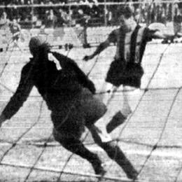 La macchina del tempo ci porta al 1967:  la gente non vuole Danova in campo, ma è lui a segnare il gol della salvezza