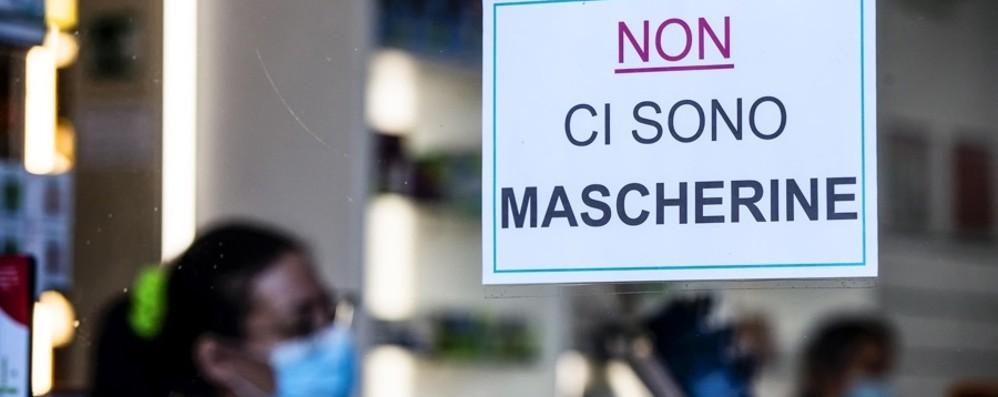 Mascherine a 50cent nei supermercati Arcuri, problemi distributori in farmacia