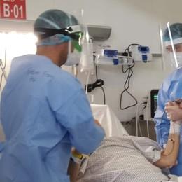 «No alla chiusura dell'ospedale in Fiera» Gallera: ambulatori per i dimessi Covid