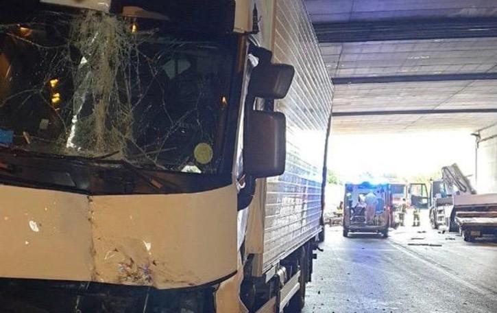 Ponte San Pietro, incidente sulla Briantea Coinvolti due camion, tre feriti