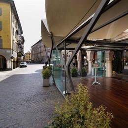 «Tavolini e dehors per bar e ristoranti Suolo pubblico gratis, strade chiuse»