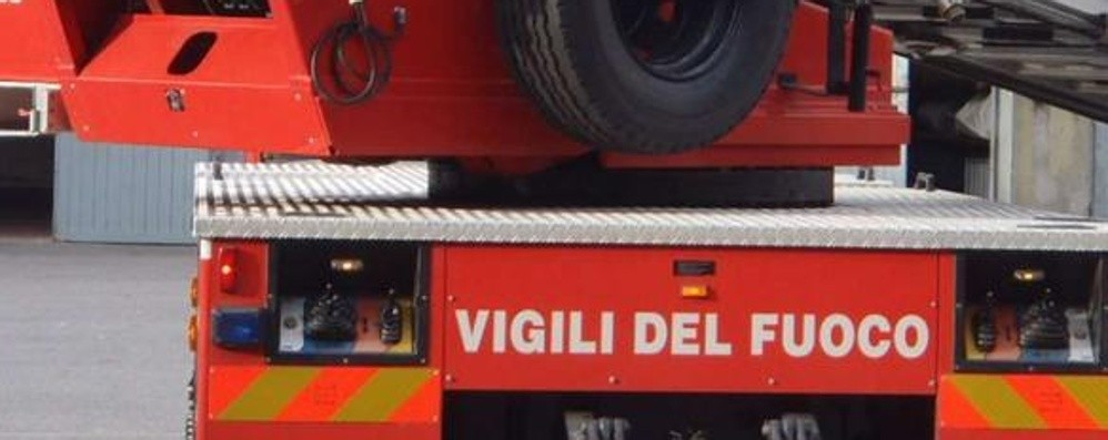 Bimba di un anno e mezzo chiusa in casa   «Blitz» decisivo dei vigili del fuoco