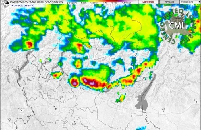 La linea  temporalesca dal radar. Fonte: Centro Meteo Lombardo
