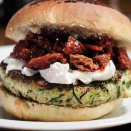 Burger vegetariani: tre idee semplici e buone da replicare a casa