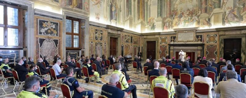 Medici e infermieri di Bergamo dal Papa «Siete le colonne portanti dell'Italia»
