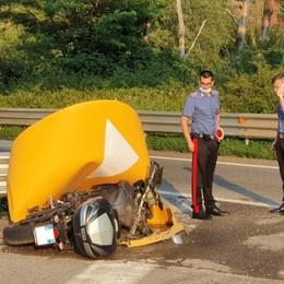 Nembro, si schianta contro spartitraffico Grave motociclista di 56 anni