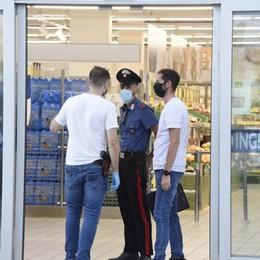 Pistola finta, il colpo sparato sembra vero Rapinato supermercato a Verdellino