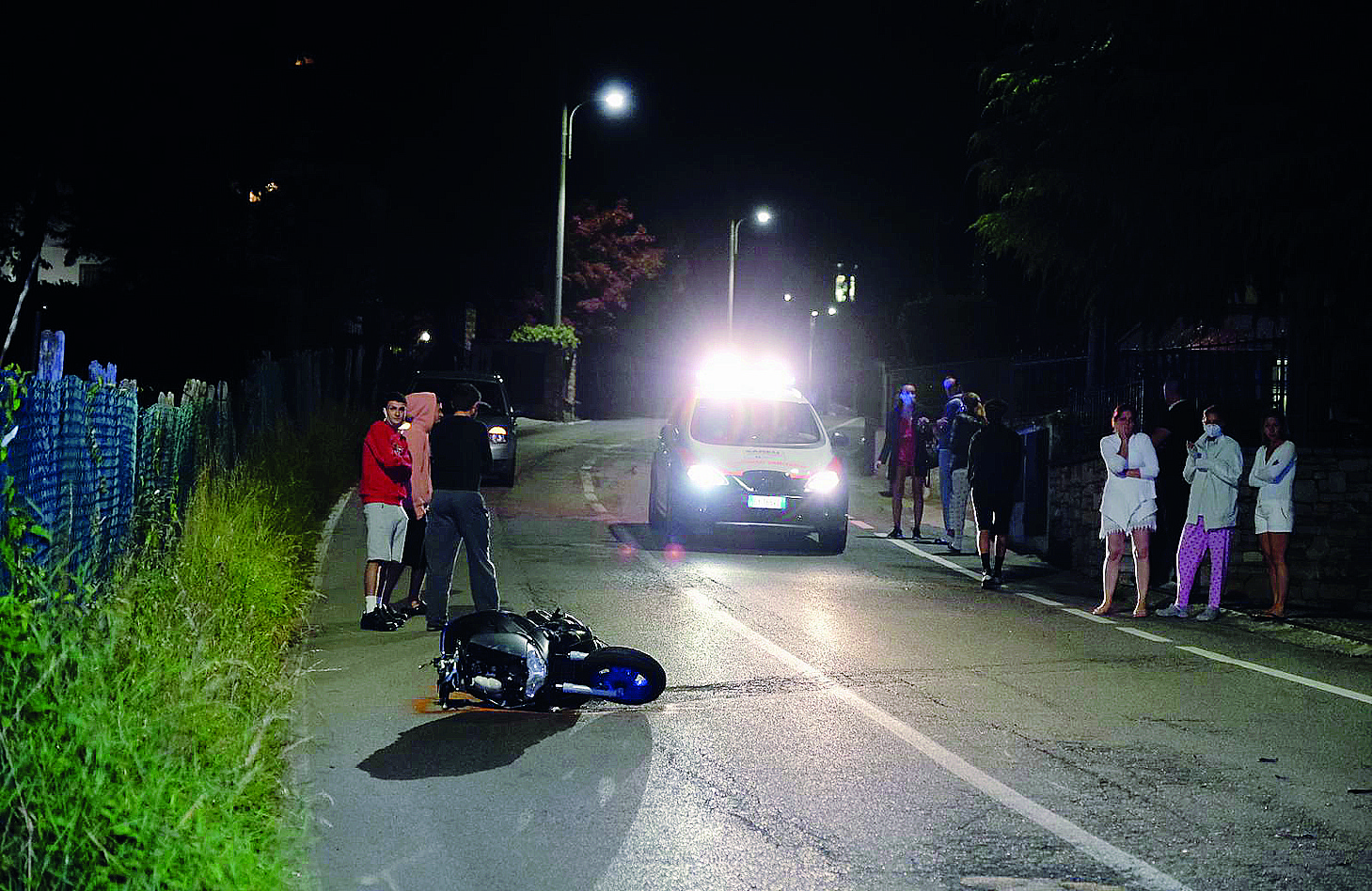 La moto sulla quale viaggiava l'uomo deceduto