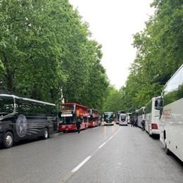 Scuolabus e gite scolastiche Autisti in piazza: crisi grave