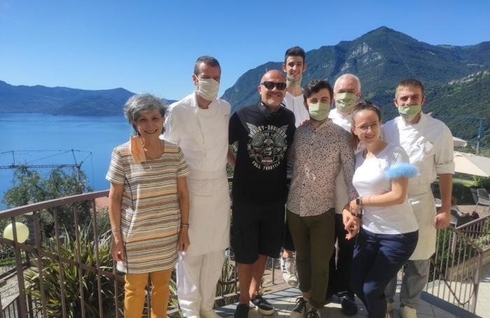 Lo staff dell'hotel Ristorante Miranda di Zorzino