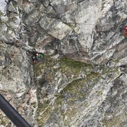 Pizzo Recastello, 2 giovani bloccati in cresta Interviene l'elicottero per metterli in salvo