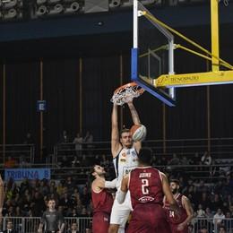 Tiri liberi sul basket orobico Treviglio avanti, Bergamo da ricostruire