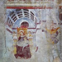 Tour a colori fra le facciate dipinte di Bergamo (o almeno ciò che ne rimane)