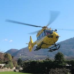Vertova, 69enne cade in giardino Portato in elicottero a Brescia