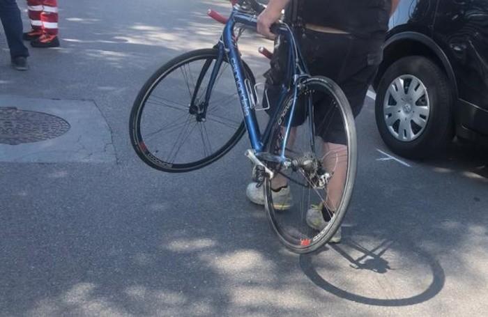 La bicicletta del 20enne investito a Carobbio