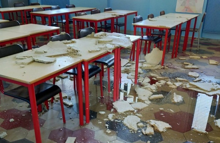 Il crollo delle controsoffittature alla scuola elementare di Nembro Centro: danni per 400 mila euro