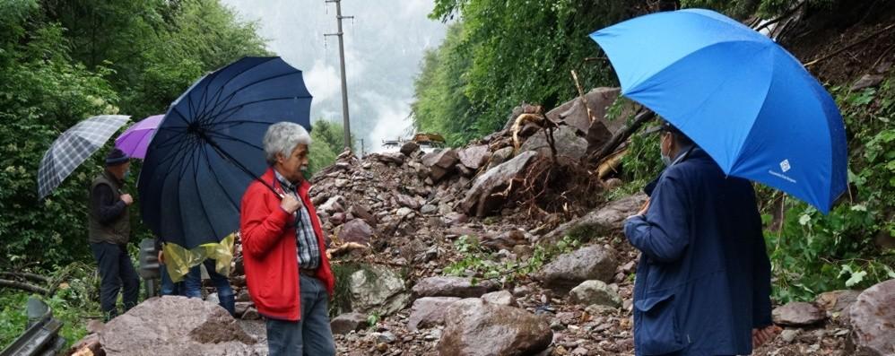Val Seriana, frana a Valgoglio Resta chiusa la strada per Novazza