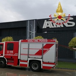 Incendio ai locali caldaie dell'Italtrans Vigili del fuoco in azione: nessun ferito