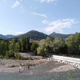 Troppa gente sul fiume Serio  Il sindaco annuncia il divieto di picnic