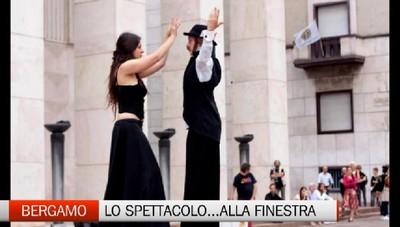 Bergamo - Godersi lo spettacolo dalla finestra di casa