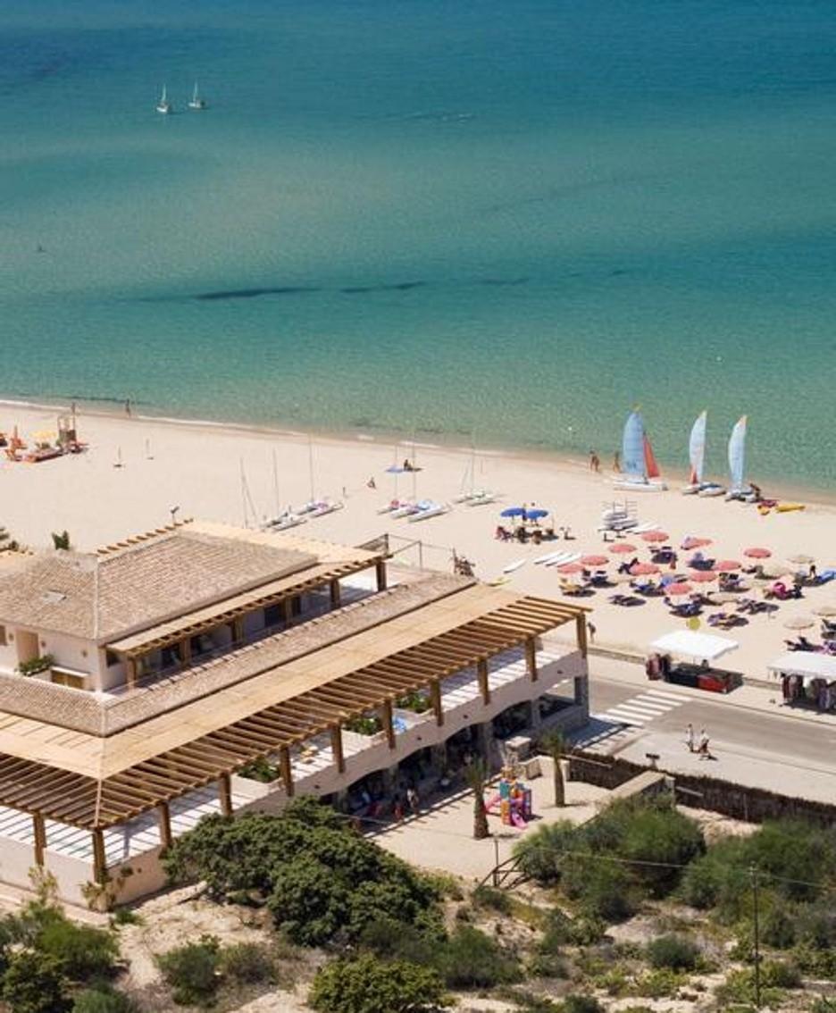 La spiaggia Le Dune Delphina a Badesi