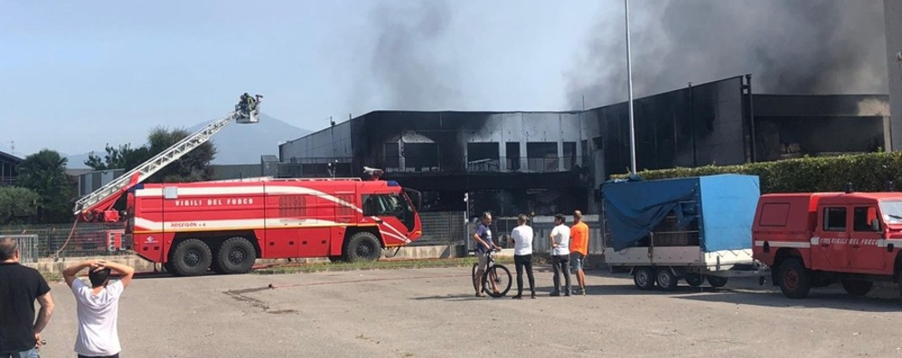 Cascina evacuata e ditte chiuse - Video I danni dell'incendio a Costa di Mezzate