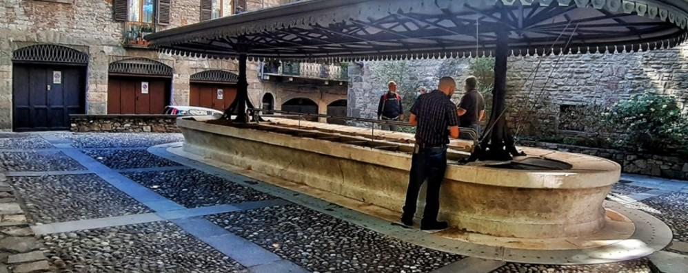 Città Alta, il lavatoio di via Mario Lupo torna a splendere (acqua compresa)