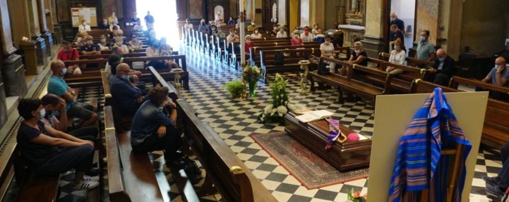 La salma del vescovo Scarpellini accolta a Verdellino, mercoledì l'addio