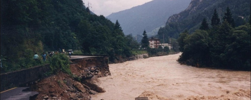 L'alluvione in Valle Brembana - Il video La cicatrice indelebile di 33 anni fa