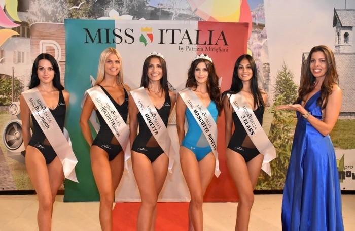 Alessandra Riva insime alle finaliste di Miss Rovetta