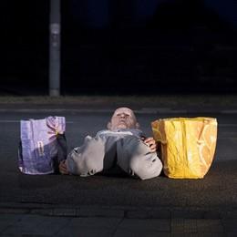 """""""A peso morto"""": Lui, Lei, L'Altro e lo spazio urbano che abitano, tutto racchiuso in un solo corpo danzante"""