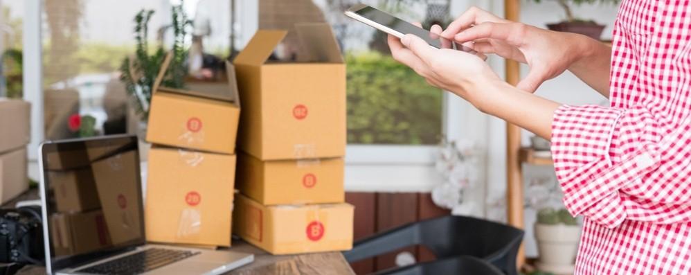 Contributi  per sviluppare l'e-commerce Scopri come partecipando al  webinar