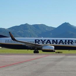 Coronavirus, Enac richiama Ryanair «Se non rispetterà le regole, stop voli»