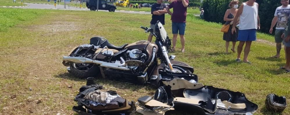 Fuori strada con l'Harley Centauro ferito alle gambe