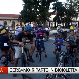 Mobilità sostenibile, Bergamo riparte in bici