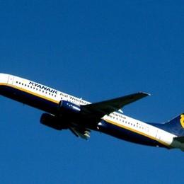 «QR code anche ai minori» Ryanair lascia a terra 30 persone